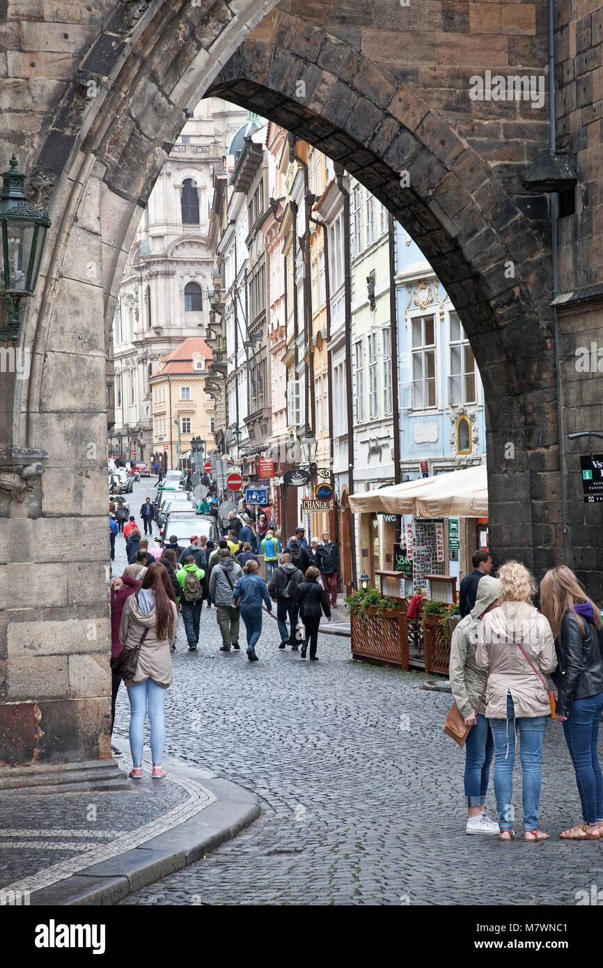 VIEW THROUGH OLD CITY WALL PRAGUE OLD TOWN CZECH REPUBLIC - Stock Image