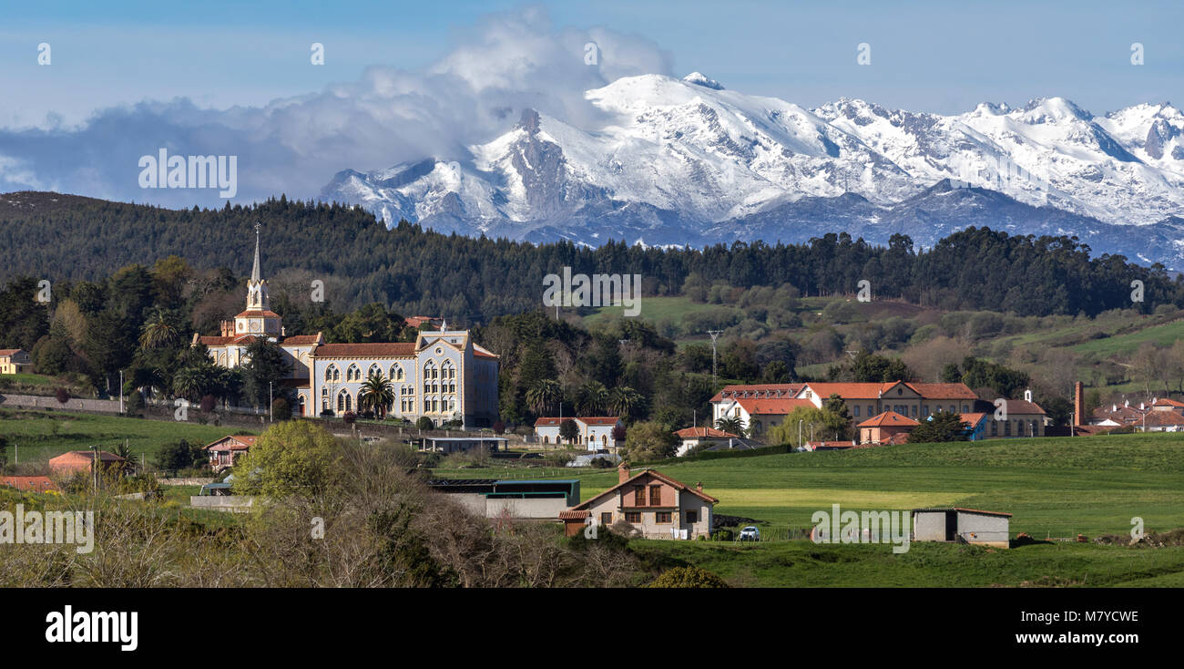 Mountain view near the small town of Corbreces in the Cantabria region of northern Spain. - Stock Image