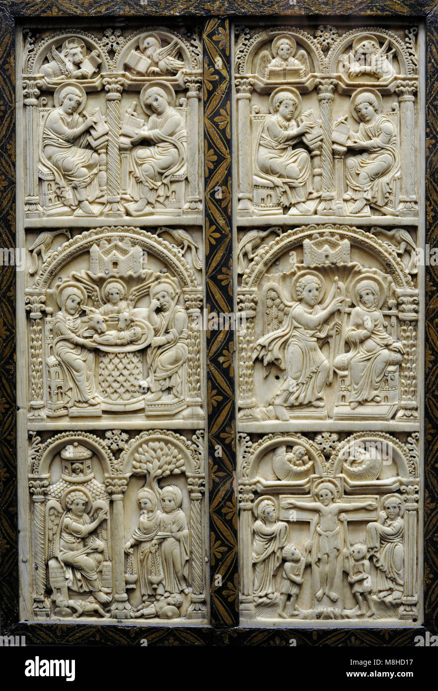 Harrach Diptych. Court School of Charlemagne, c. 800. Reverse. From Spain or northern Italy, c. 700-750. Ivory. - Stock Image