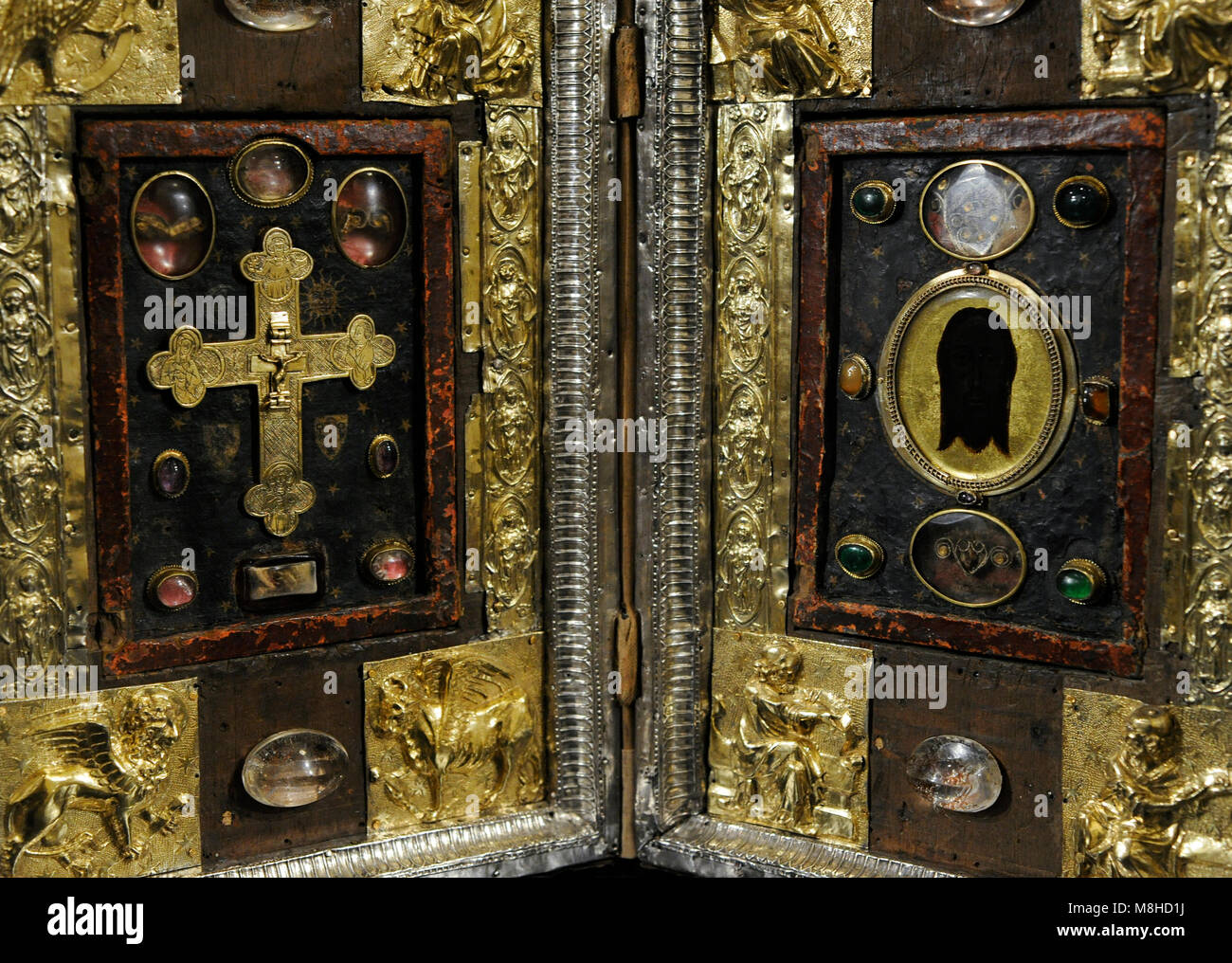 Reliquary Diptych. 14th century with later modifications. Detail. France. Reliefes: silver, repousse and gilded. - Stock Image