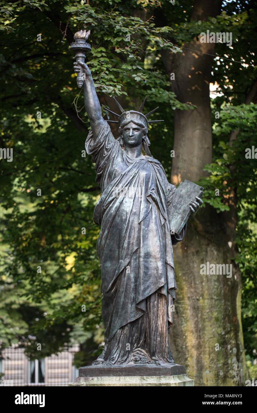 Statue Of Liberty Autumn Stock Photos Statue Of Liberty Autumn Stock Images Alamy