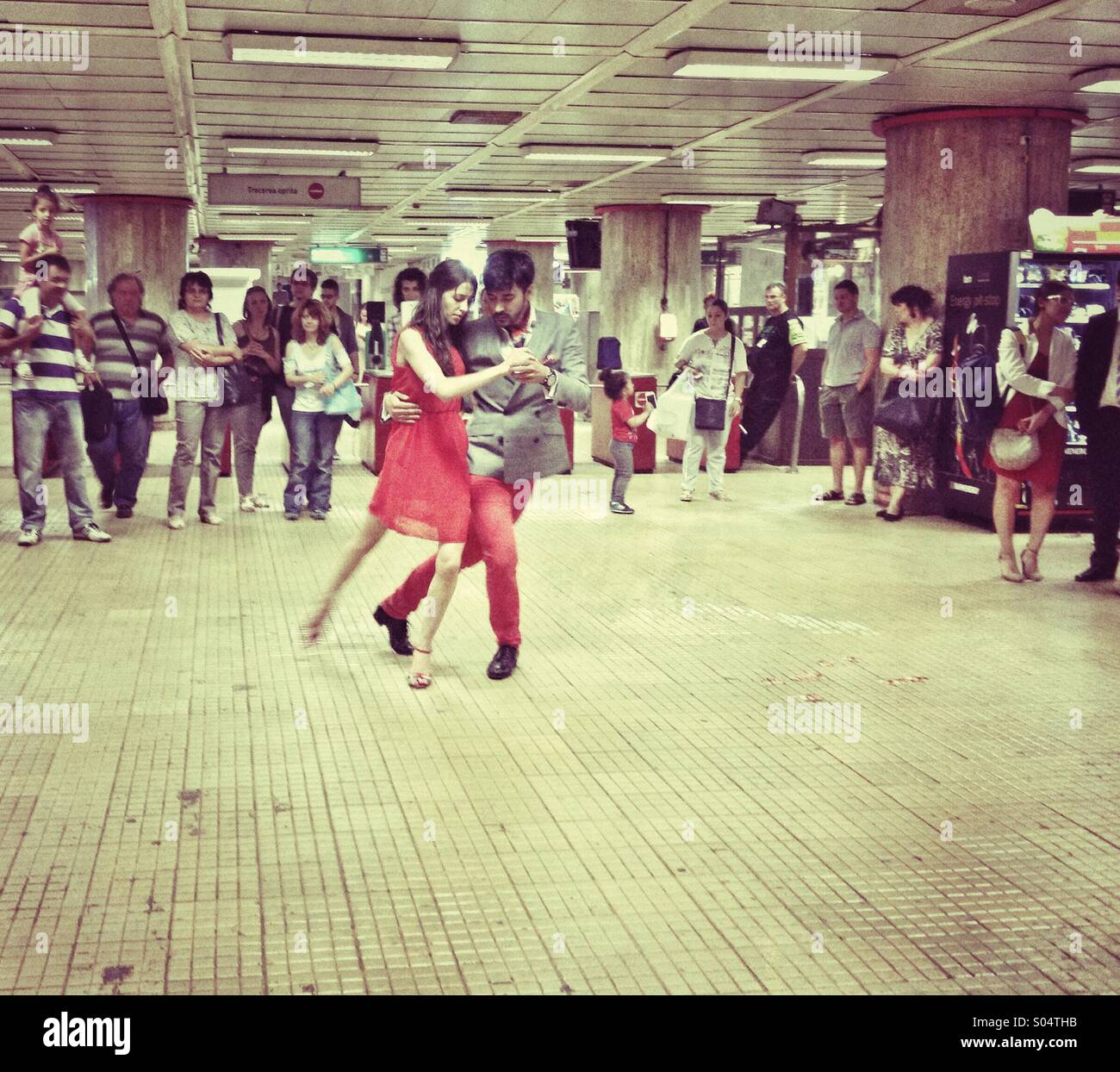 tango-demonstration-S04THB.jpg