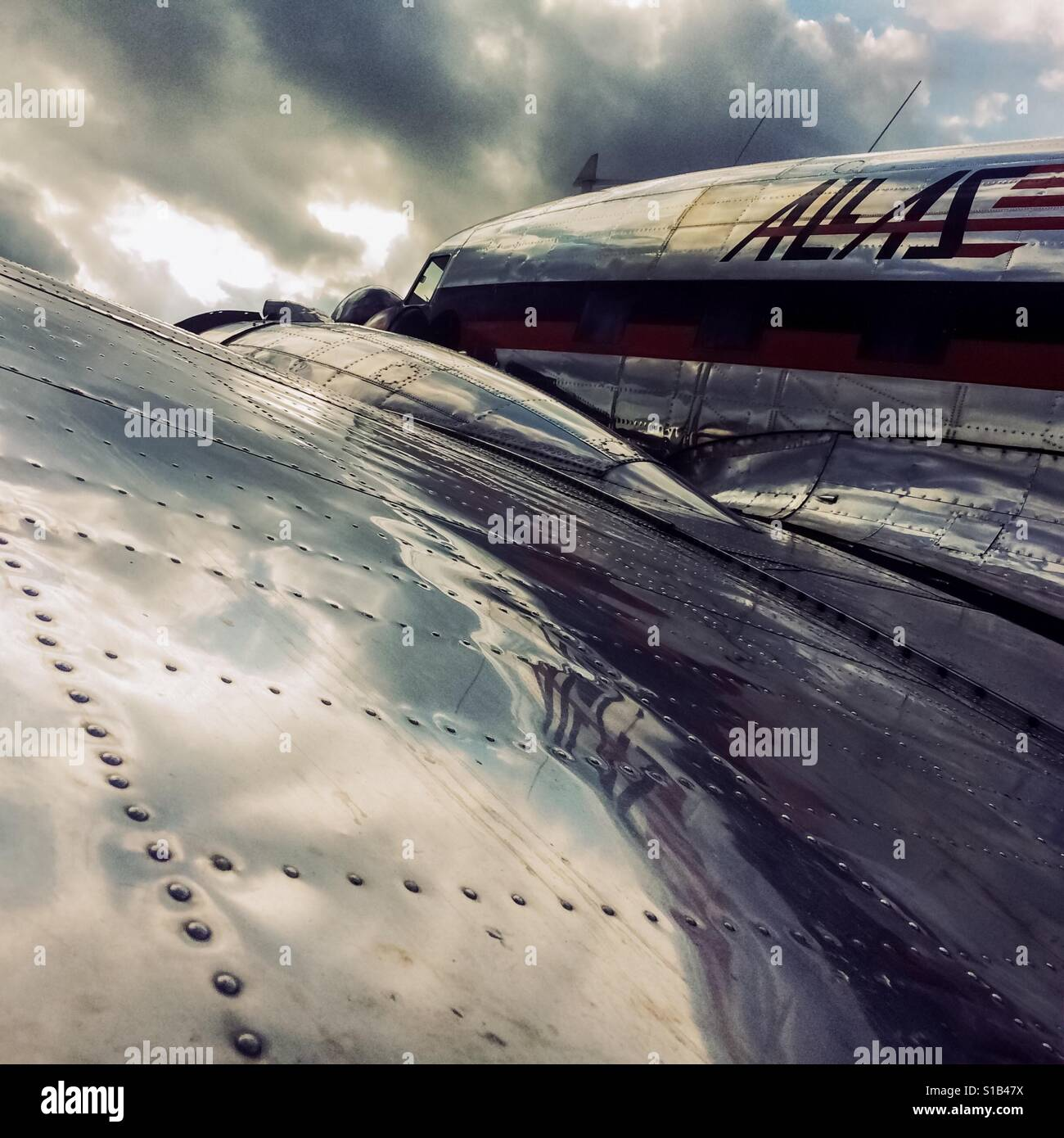 A Douglas DC-3 aircraft, operated by Allas airlines, is seen parked during the maintenance at the airport of Villavicencio, Stock Foto