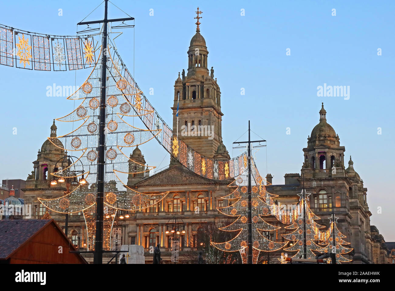 Dieses Stockfoto: Glasgow Weihnachten Festliche Lichter, George Square, Glasgow, Schottland, Großbritannien, G2 - 2AAEHW