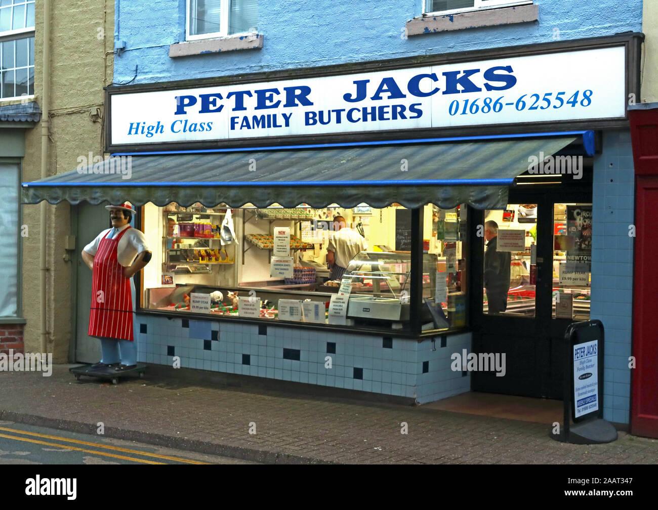 Dieses Stockfoto: Peter-Buchsen High Class Metzgerei 01686-625548, 6 Market St, Newtown, Powys, Wales, SY16 2PQ - 2AAT34