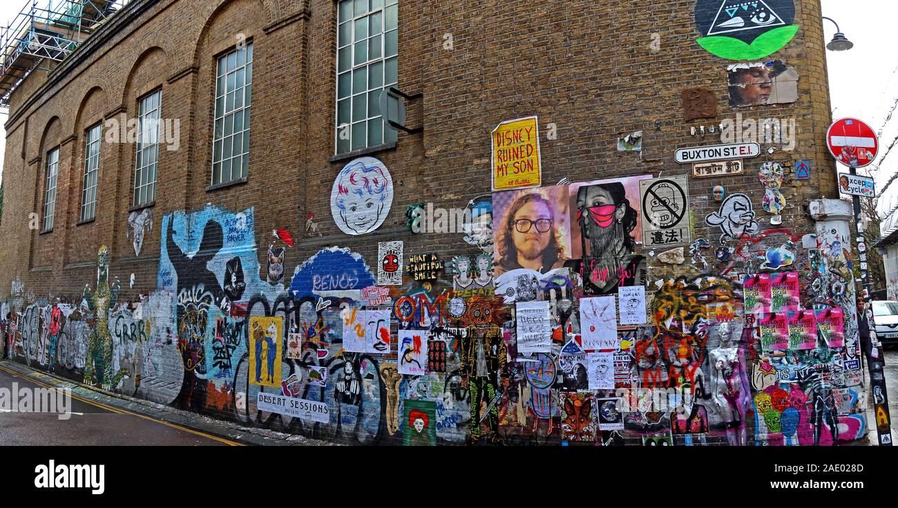 Dieses Stockfoto: Schablone, Papier und Sprühfarbe Kunst, Buxton Street, off Brick Lane, Spitalfields, East End, London, England, UK, E1, Panorama - 2AE028