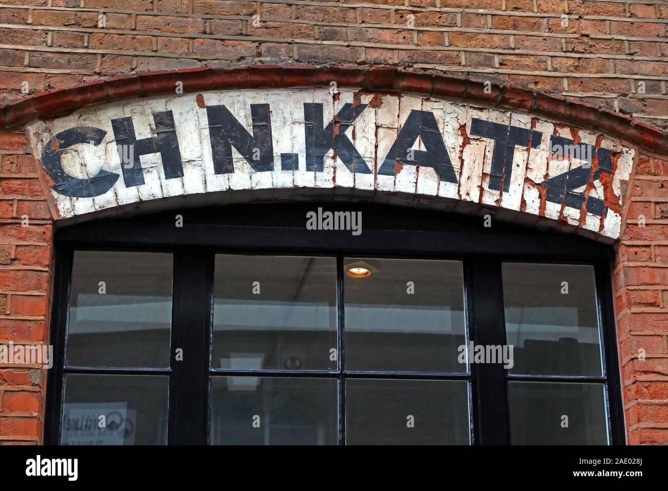 Dieses Stockfoto: CH N.KATZ, über dem Fenster, 92 Brick Lane, Shoreditch, East End, London, England, UK, E1, Twine und String Merchant - 2AE028