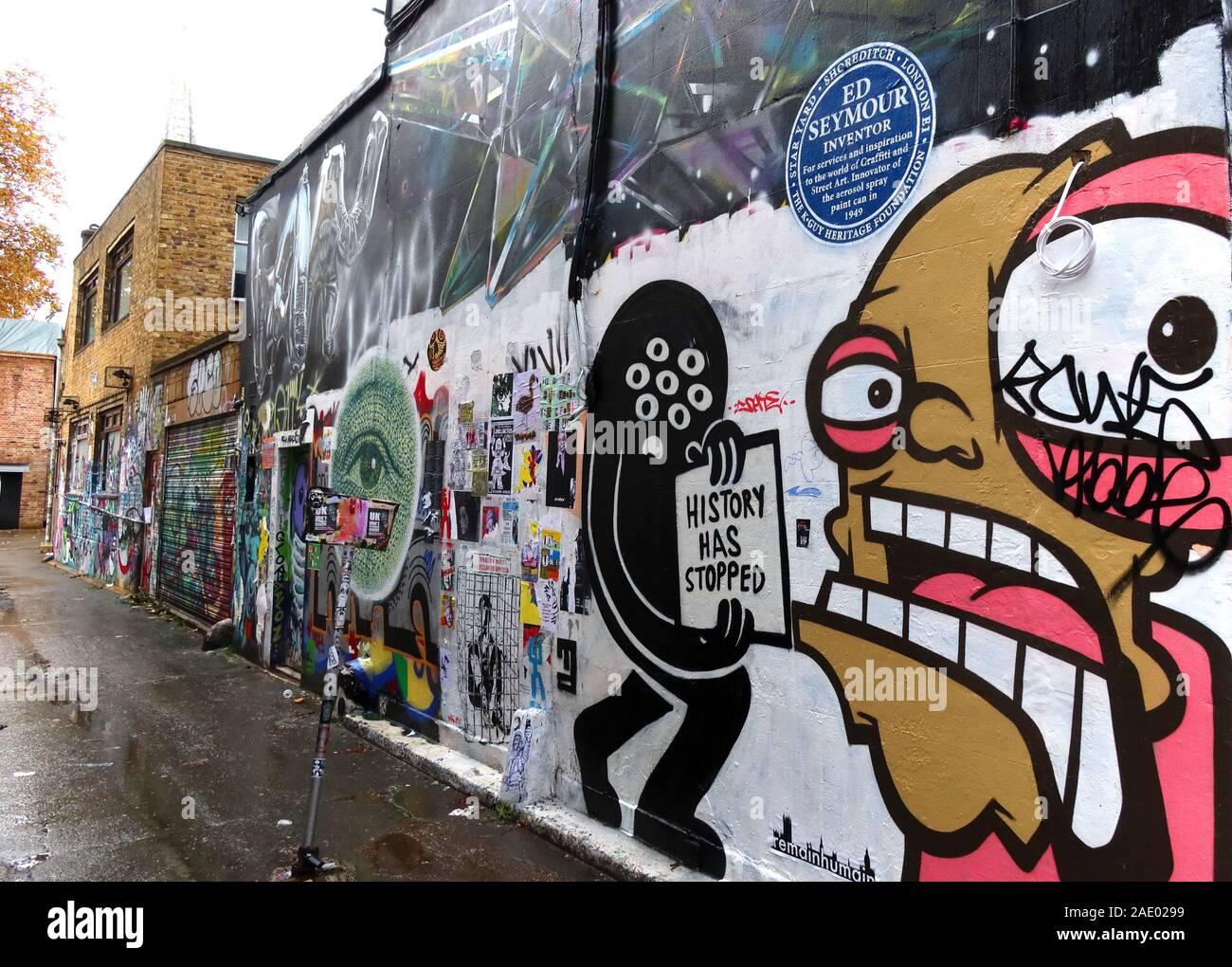 Dieses Stockfoto: Geschichte hat aufgehört,Ed Seymour,Brick Lane,Kunst und Graffiti,Shoreditch,Tower Hamlets,East End,London,South East,England,UK, E1 6QL - 2AE029