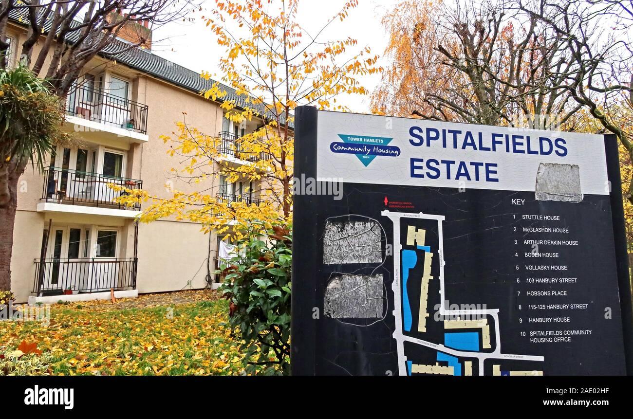 Dieses Stockfoto: Spitalfields Estate, Schild, London Tower Hamlets, Südostengland, Großbritannien, THCH - 2AE02H
