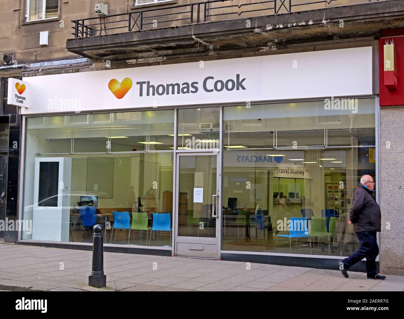 Dieses Stockfoto: Thomas Cook Shop, Stiirling, 11-13 Murray Place, Stirling, Schottland, FK8 1DQ - 2AERR7