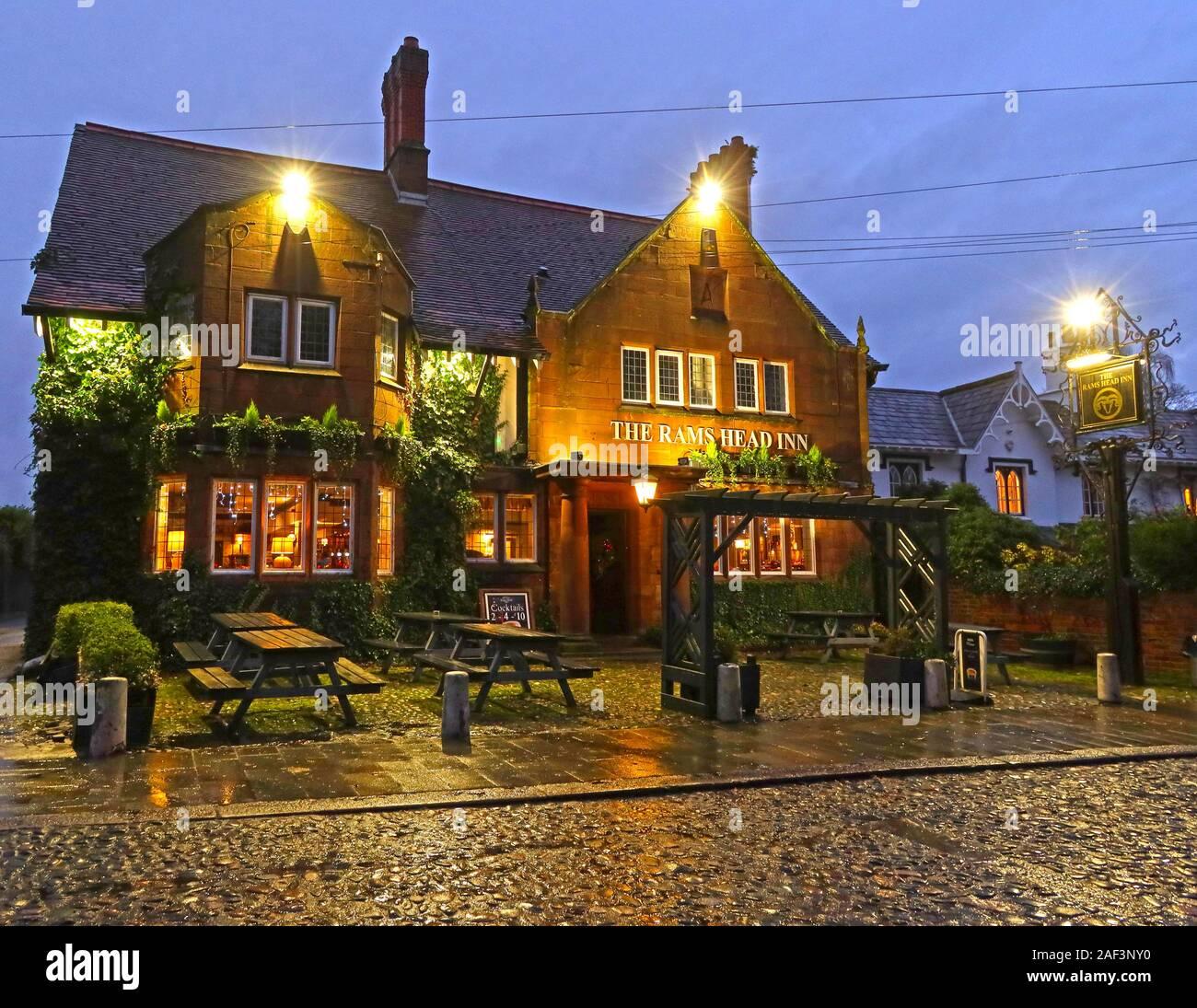 Dieses Stockfoto: Rams Head Pub, gepflasterte Church Lane, Grappenhall, Warrington, Cheshire, England, UK, WA4 3EP, - 2AF3NY