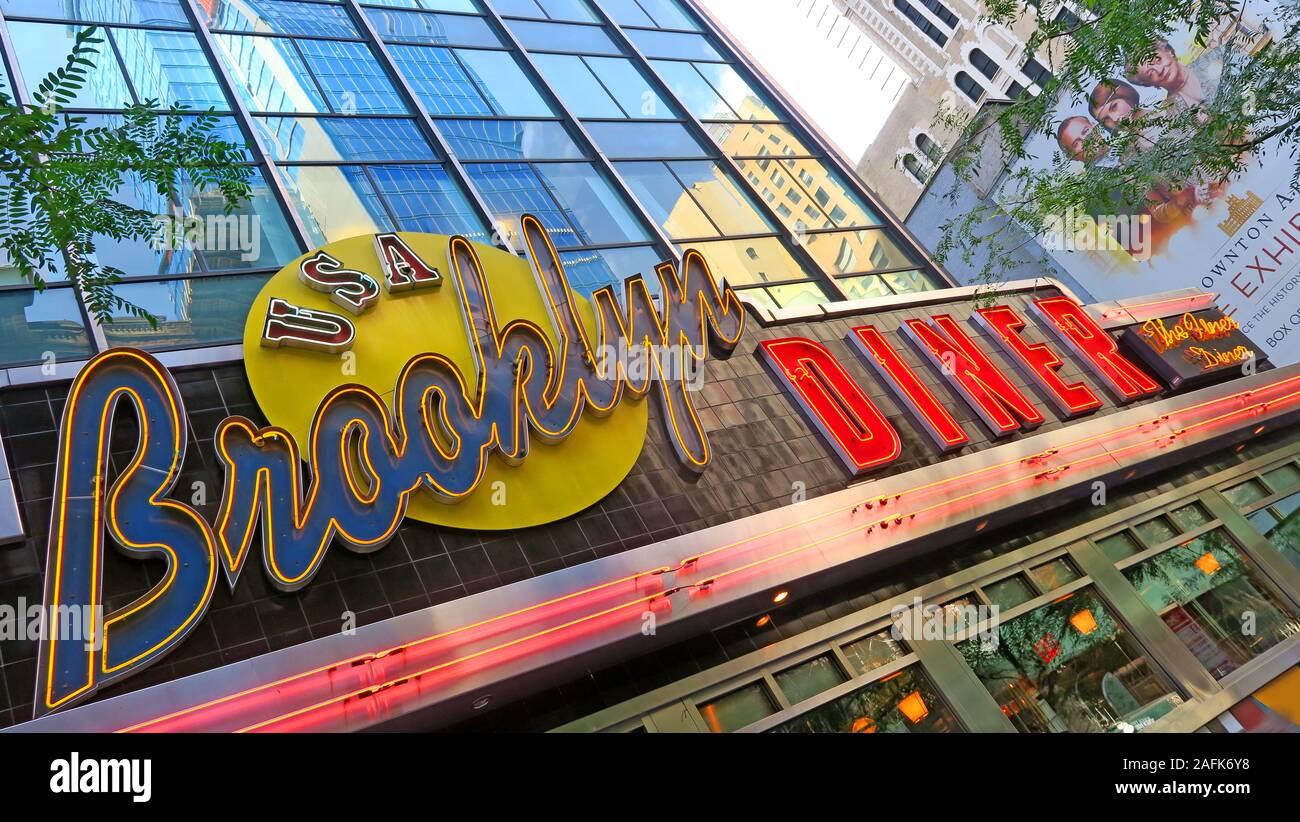 Dieses Stockfoto: Vereinigte Staaten Brooklyn Diner, Times Square, New York City, Manhattan, NY, Vereinigte Staaten - 2AFK6Y