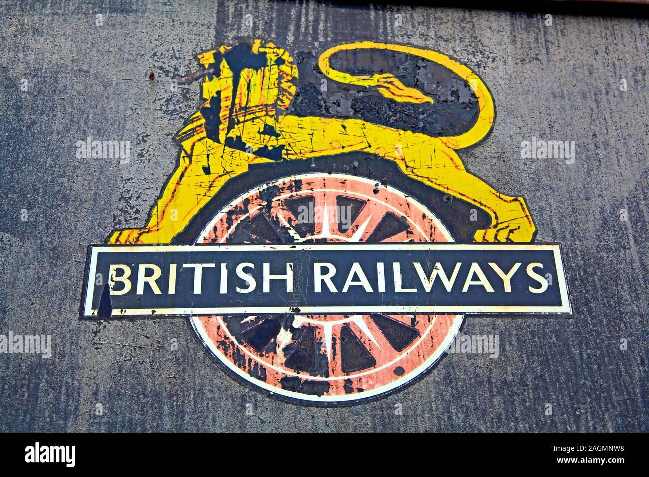 Dieses Stockfoto: Das historische alte Logo der British Railways, Crewe, England, Großbritannien - 2AGMNW