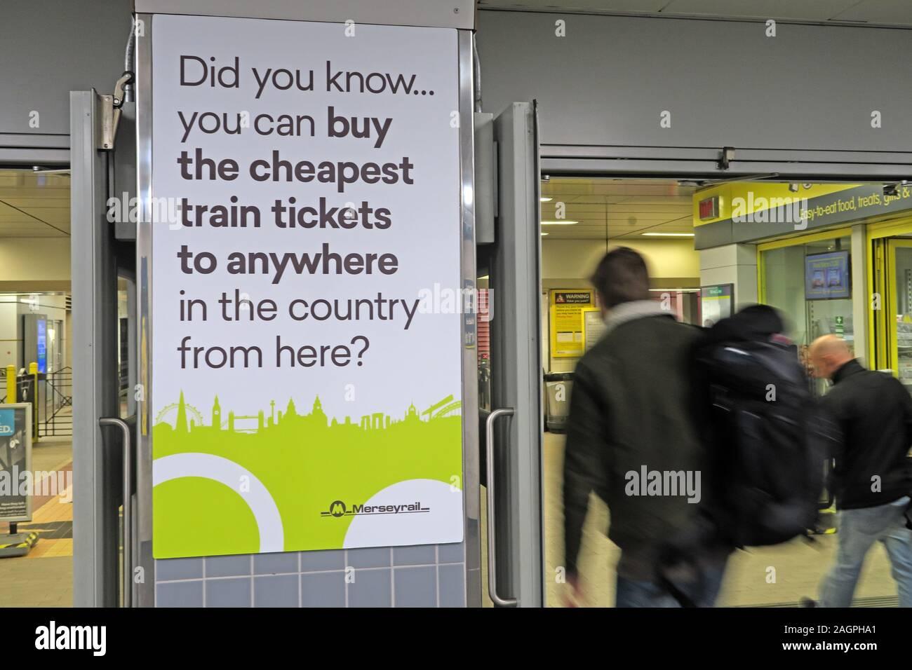 Dieses Stockfoto: Merseyrail - Die billigsten Fahrkarten zu überall, Plakat, von der Lime St Station, Liverpool, Merseyside, North West England, UK kaufen - 2AGPHA