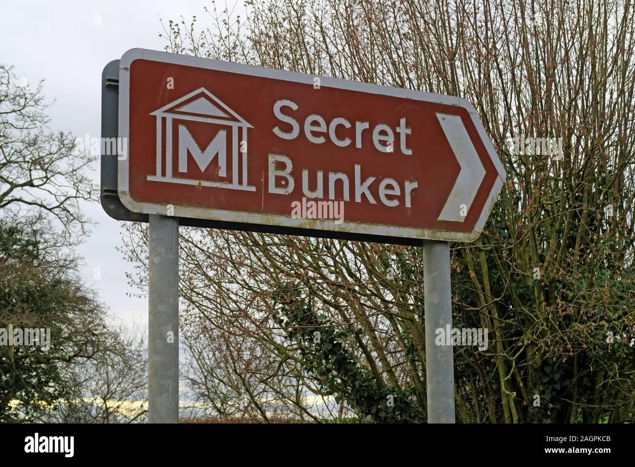 Dieses Stockfoto: Braun Atombunker Zeichen, Museum, Hack Grün, Französisch Ln, Crewe, Cheshire, England UK, CW 5 8 BL - ehemaliger Atombunker - 2AGPKC