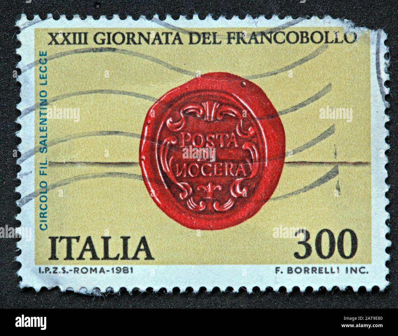 Dieses Stockfoto: Italienische Briefmarke, poste Italia verwendete und frankierte Briefmarke, Italia 300lire Roma 1981 f. Borrelli Inc. - XXIII Giornata Del Francobollo - 2AT9E8