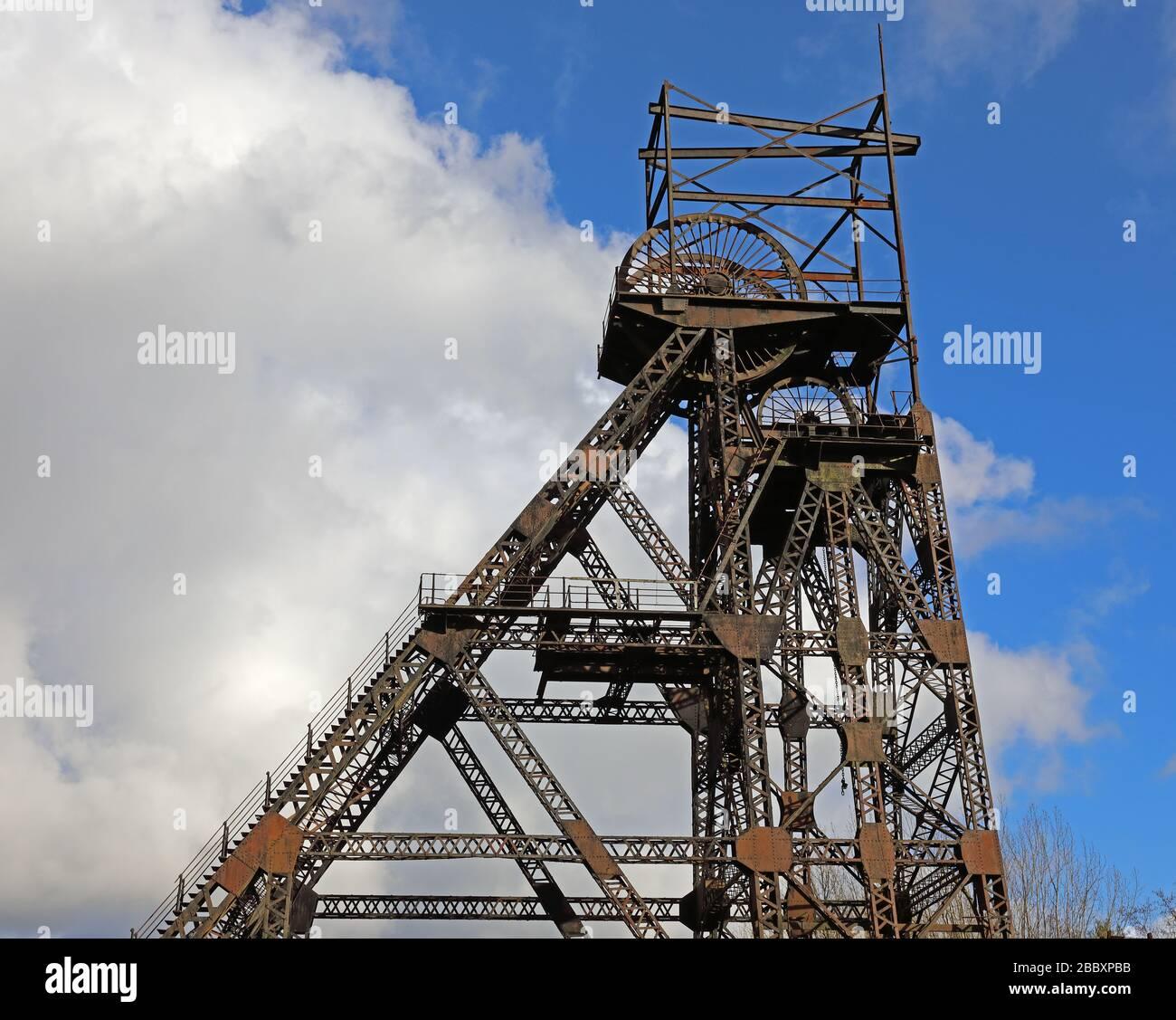 Dieses Stockfoto: Winding Gear und Pit Head, Coal Mine, Colliery and Museum, Astley Green, Manchester, Lancashire, North West England, Großbritannien - 2BBXPB