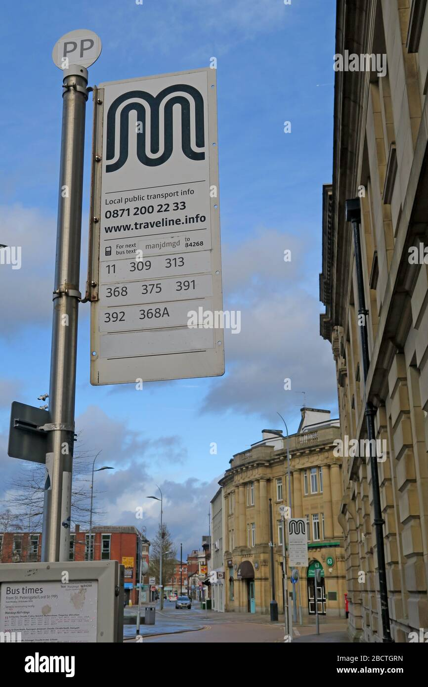 Dieses Stockfoto: Öffentliche Verkehrsmittel in Stockport, Bushaltestelle, TfGM, Petersgate / Lord St , Town Centre, Greater Manchester, Cheshire, England, UK, SK1 1EB - 2BCTGR