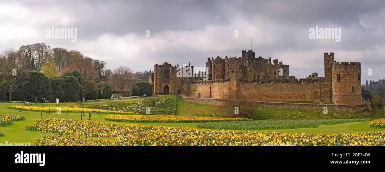 Dieses Stockfoto: Alnwick Castle, Alnwick, Northumberland, Nordostengland, Großbritannien - 2BE34D