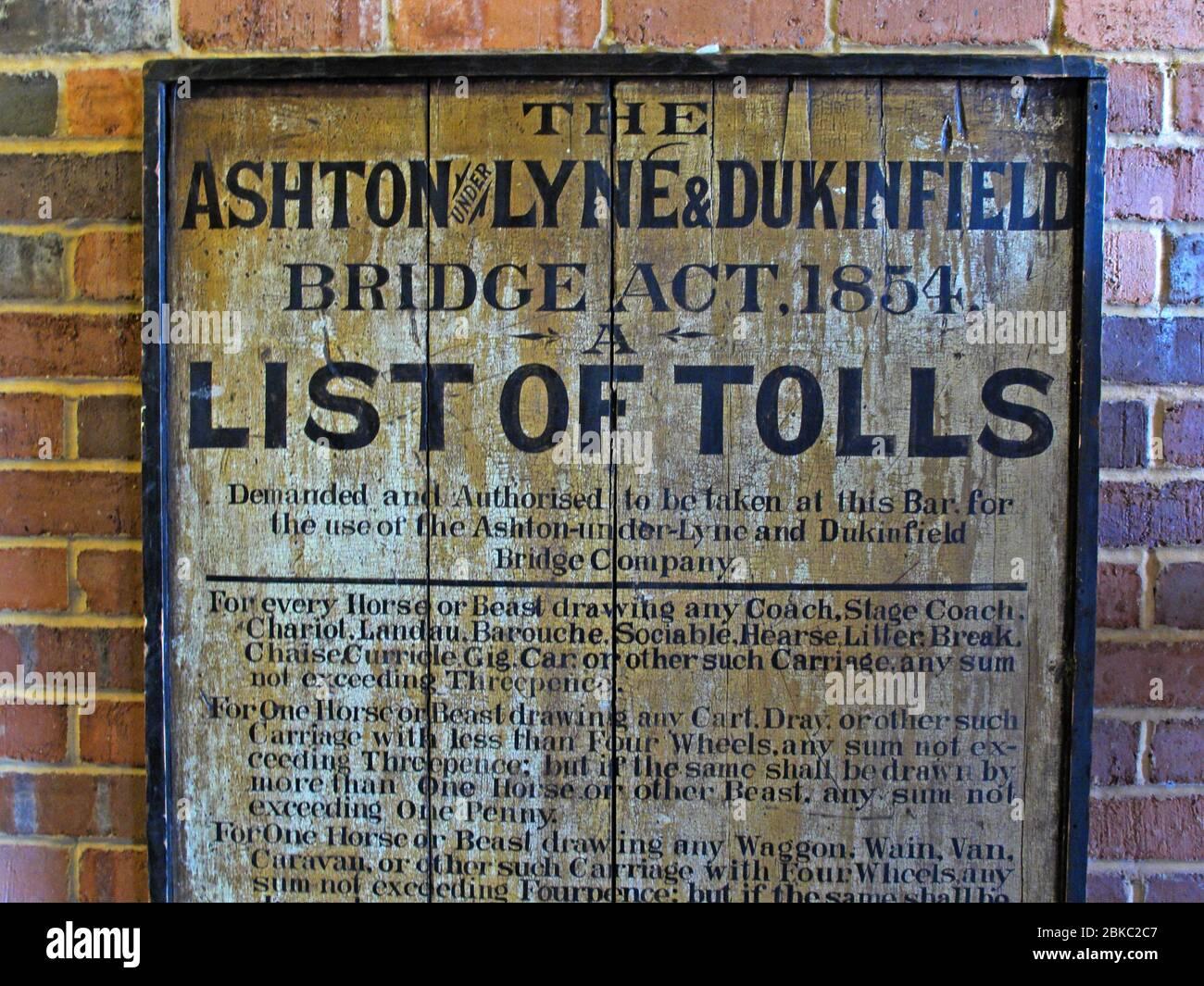 Dieses Stockfoto: Ashton unter Lyne, Dukinfield, Bridge, Tolls, Mautliste, Greater Manchester, GMC, Manchester, England, UK - 2BKC2C