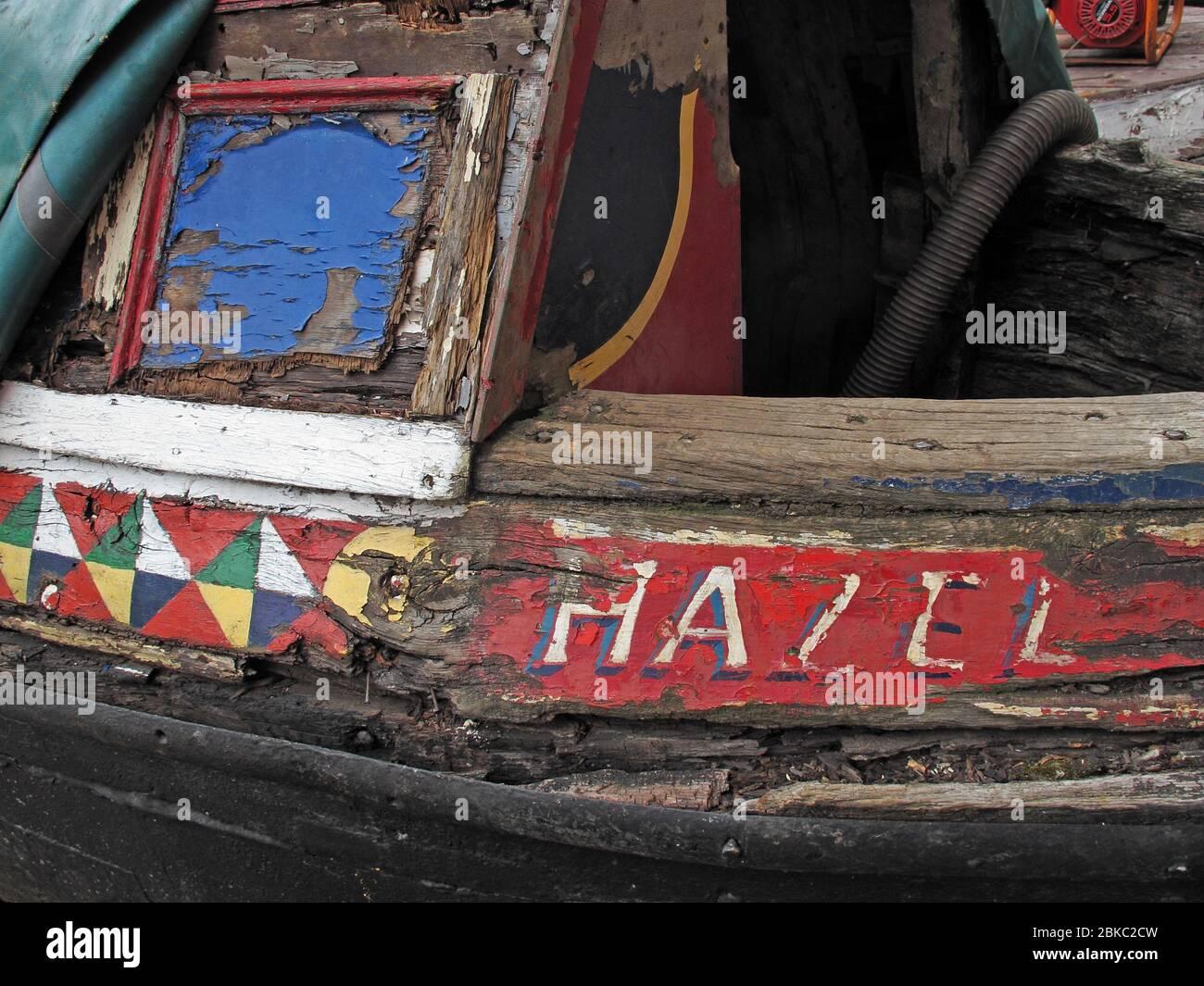 Dieses Stockfoto: Hazel, verrottet Wasserstraßen Barge, Bridgewater Canal, Cheshire, England, Großbritannien - 2BKC2C