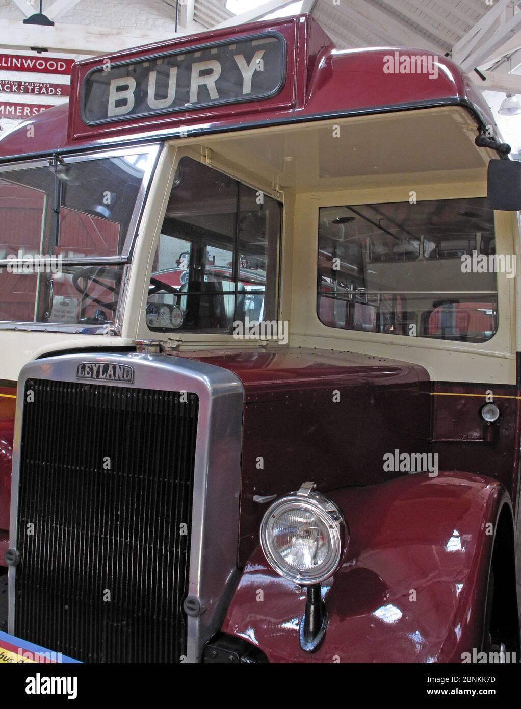 Dieses Stockfoto: Maroon Bury Corporation Leyland Bus, Greater Manchester, Lancashire, England, Großbritannien, 1960, 1960er Jahre - 2BNKK7