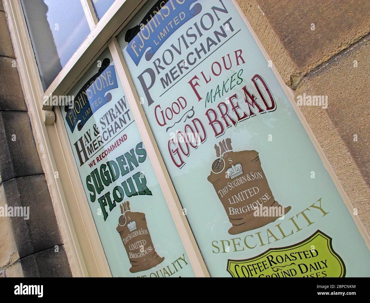 Dieses Stockfoto: F Johnston Limited, Provision Merchants, Brighouse, West Yorkshire, England, Großbritannien - 2BPCNK