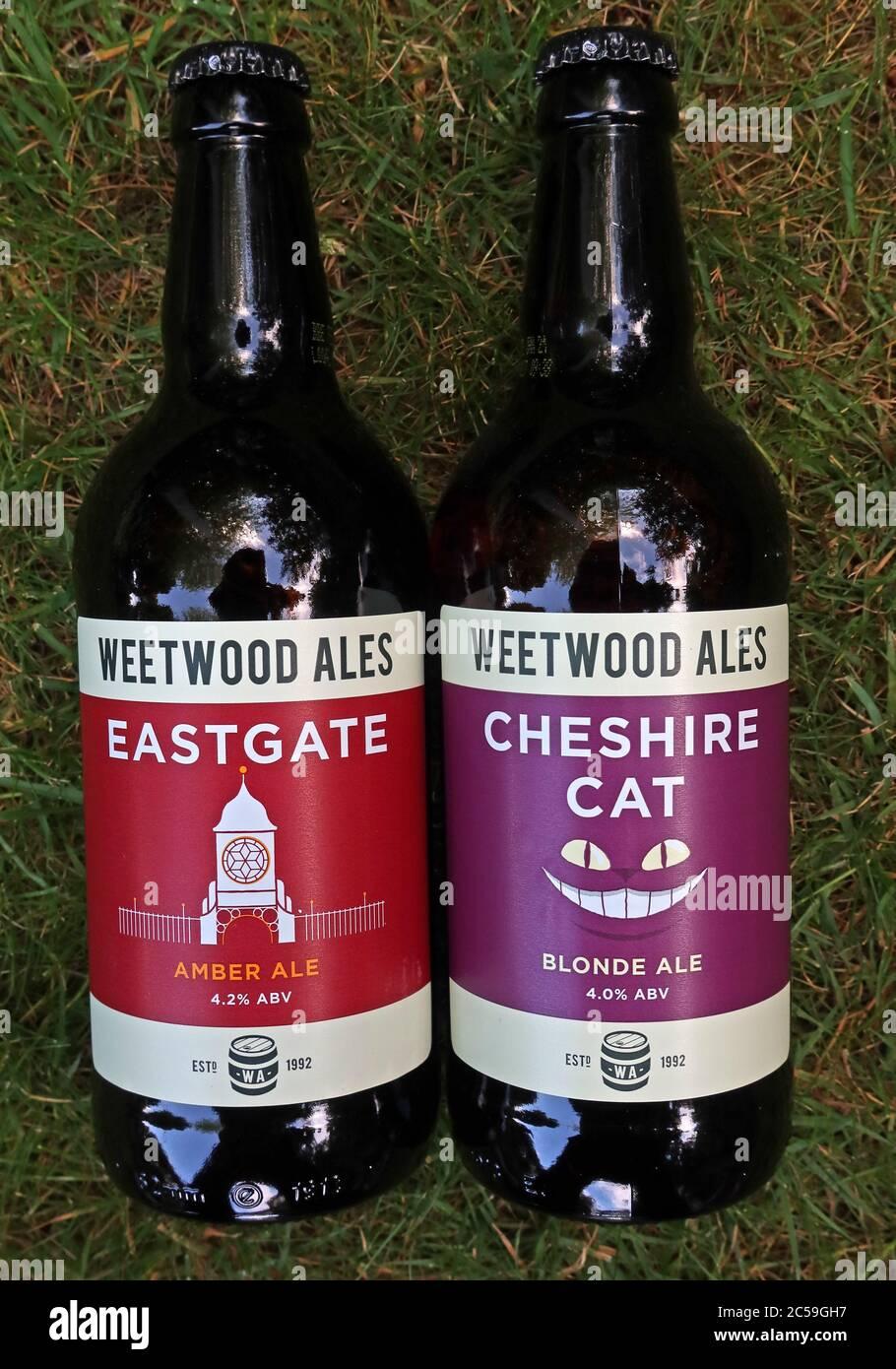 Dieses Stockfoto: Weetwood Flaschenbiere, preisgekrönte Cheshire Brauerei, Eastgate, Amber Ale, Cheshire Cat, Blonde Ale - 2C59GH