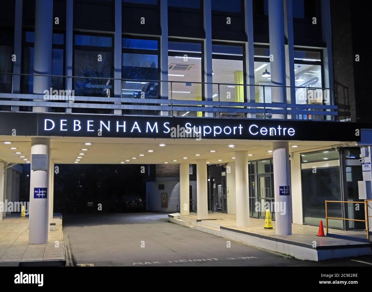 Dieses Stockfoto: Debenhams Support Center, Einkaufsstraße, Bedford House, Park St, Taunton TA1 4DB bei Einbruch der Dunkelheit - 2C9E2R