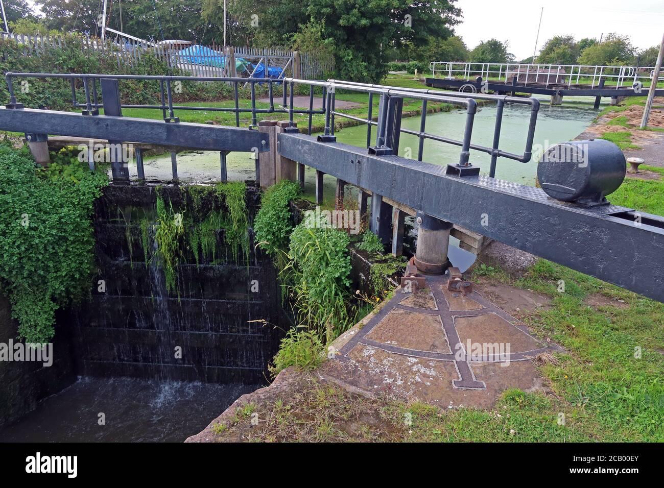Dieses Stockfoto: Sankey Brook Navigation, später, St Helens Canal, Fiddlers Ferry, Schleuse zur Verbindung mit Mersey, Penketh, Warrington, Cheshire, England, Großbritannien - 2CB00E