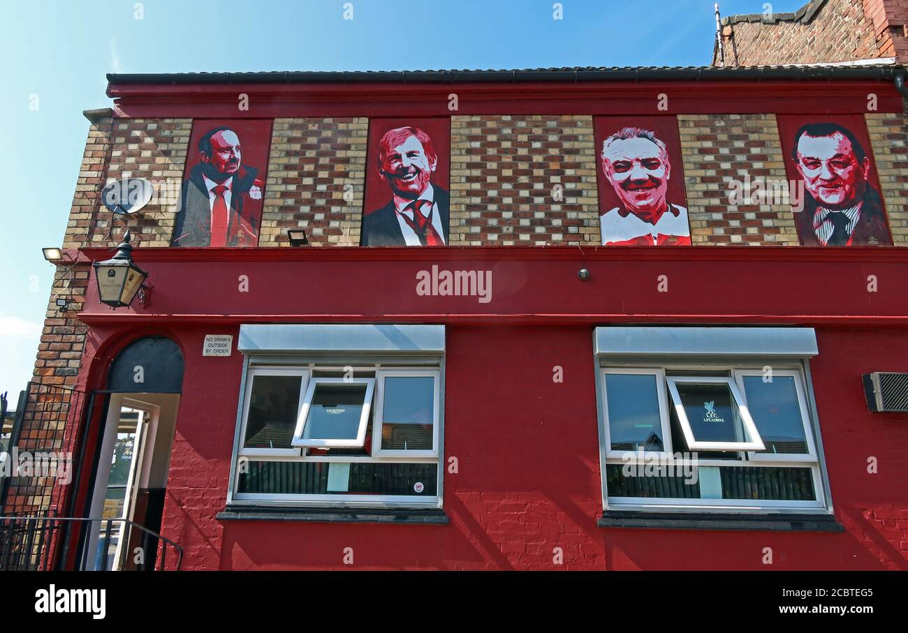 Dieses Stockfoto: The Park Pub, 216-218 Walton Breck Rd, Liverpool, Merseyside, England, UK, L4 0RQ - 2CBTEG