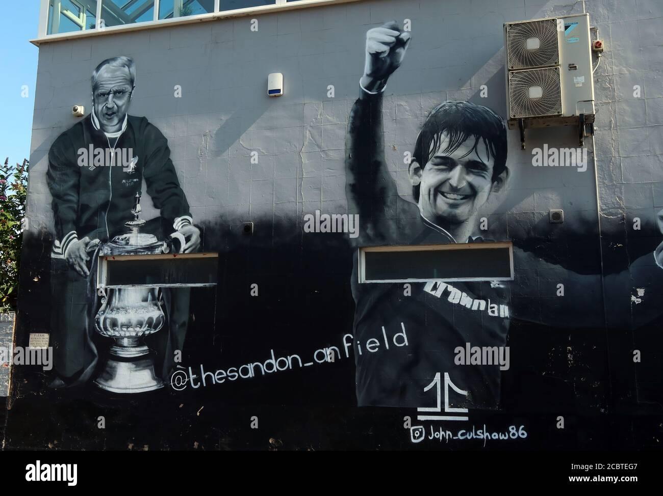 Dieses Stockfoto: Das Sandon Wandbild, LFC, Liverpool Football Club, Anfield, Premier League, Merseyside, Nordwestengland, Großbritannien, L4 2UZ - 2CBTEG