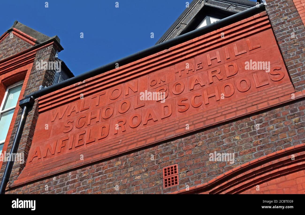 Dieses Stockfoto: Walton on the Hill, Schulbehörde, Anfield Road Schools, Schild, Liverpool, L4 - 2CBTEG