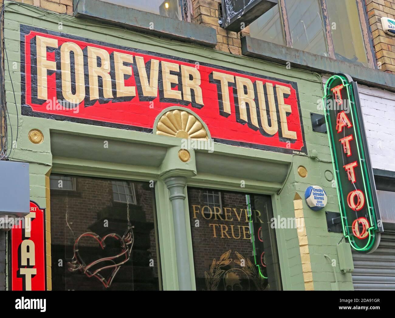 Dieses Stockfoto: Forever True Tattoo, 23 Cheapside, Liverpool, Merseyside, England, Großbritannien, L2 2DY - 2DA91G
