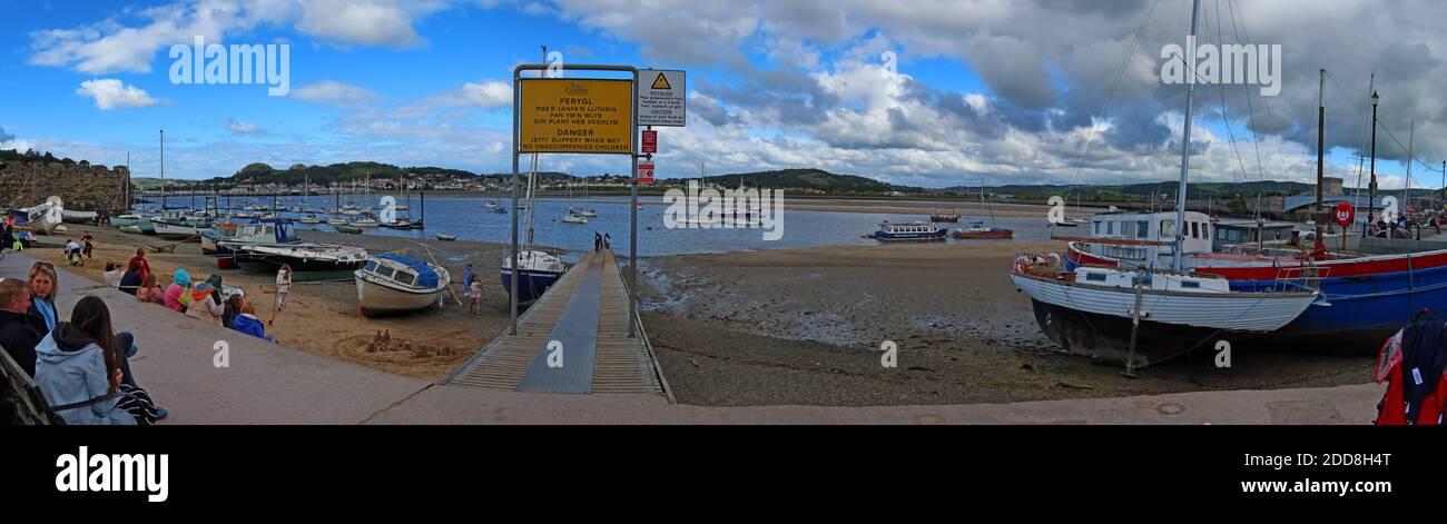 Dieses Stockfoto: Conwy Harbour Panorama, North Wales, Großbritannien - 2DD8H4