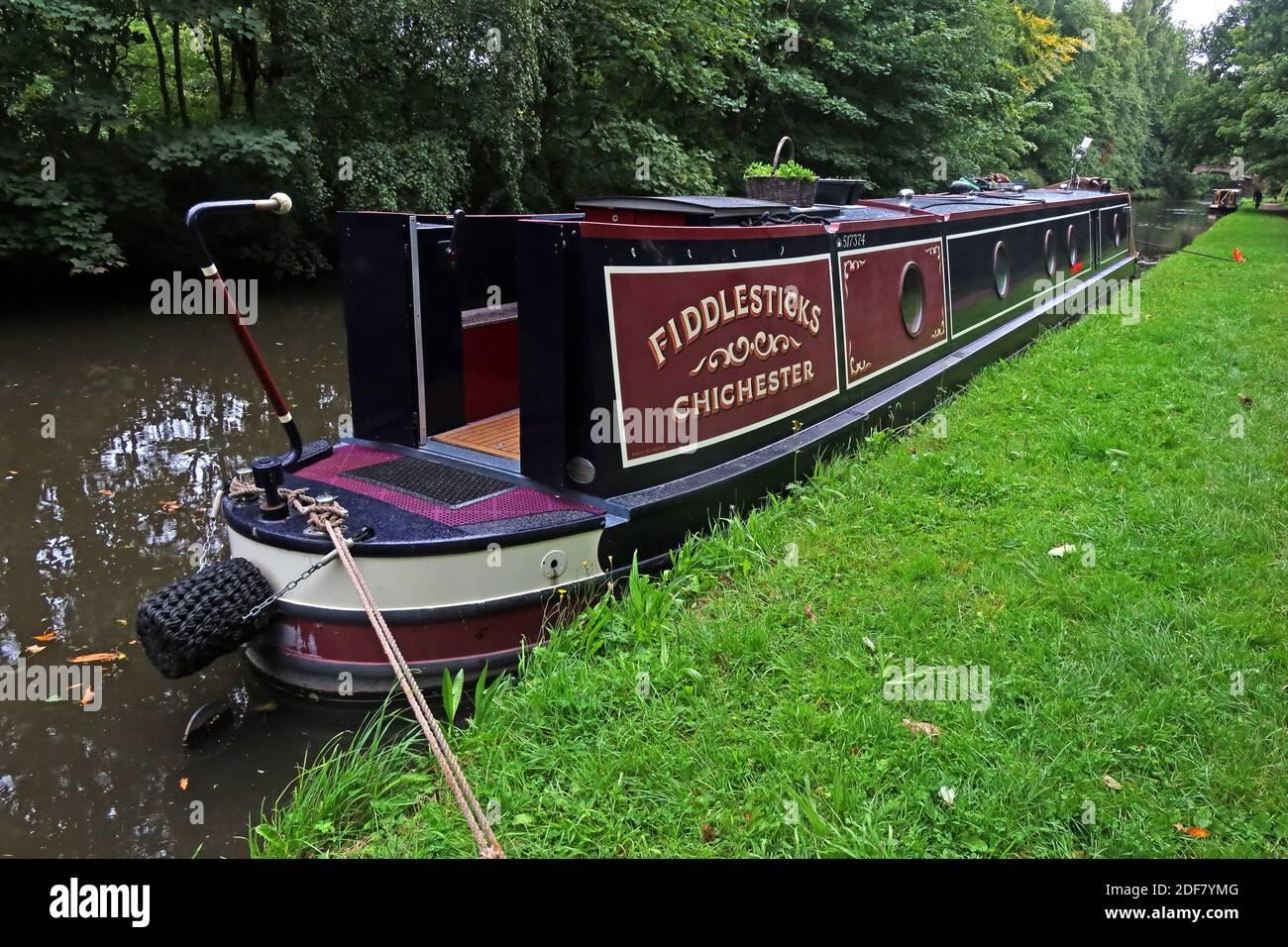 Dieses Stockfoto: Bridgewater Canal, Fiddlesticks, Chichester, 517374, Festanlegeboot, Walton Village, Warrington, Cheshire, England, Großbritannien - 2DF7YM