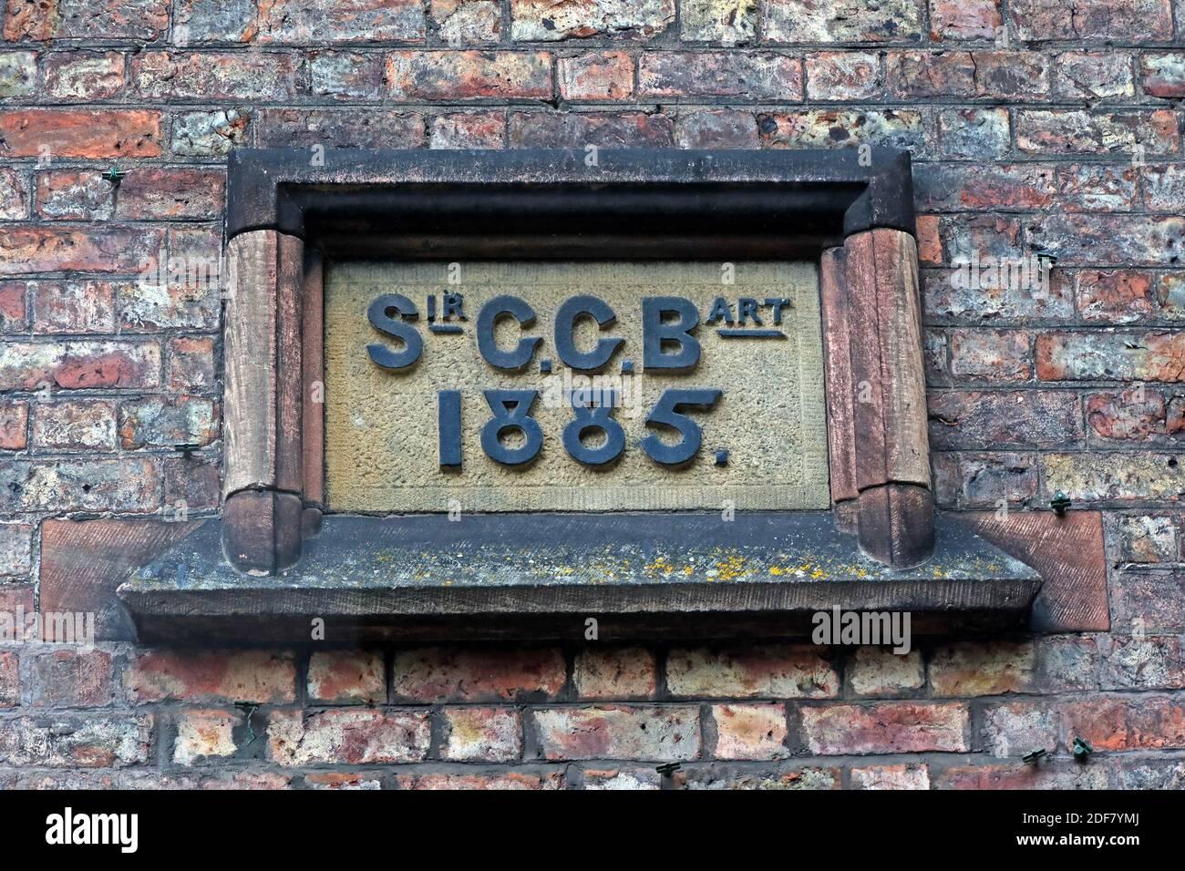 Dieses Stockfoto: Walton Village, Warrington, Sir, CCB, Art, 1885, Inschrift auf St. Johns Community Hall, Cheshire, England, Großbritannien - 2DF7YM