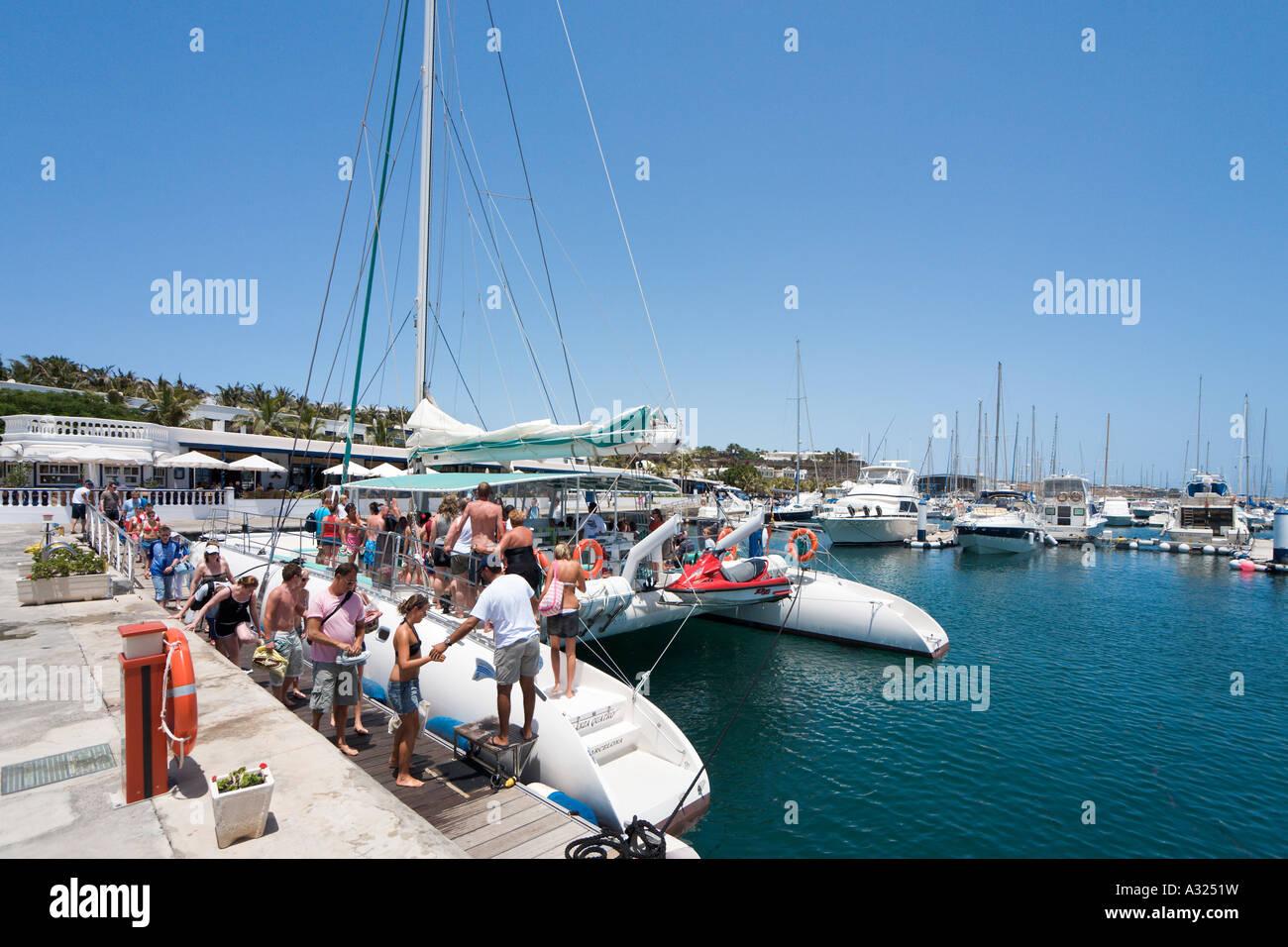 Lanzacat Ausflug Katamaran, Puerto Calero, Lanzarote, Kanarische Inseln, Spanien Stockbild