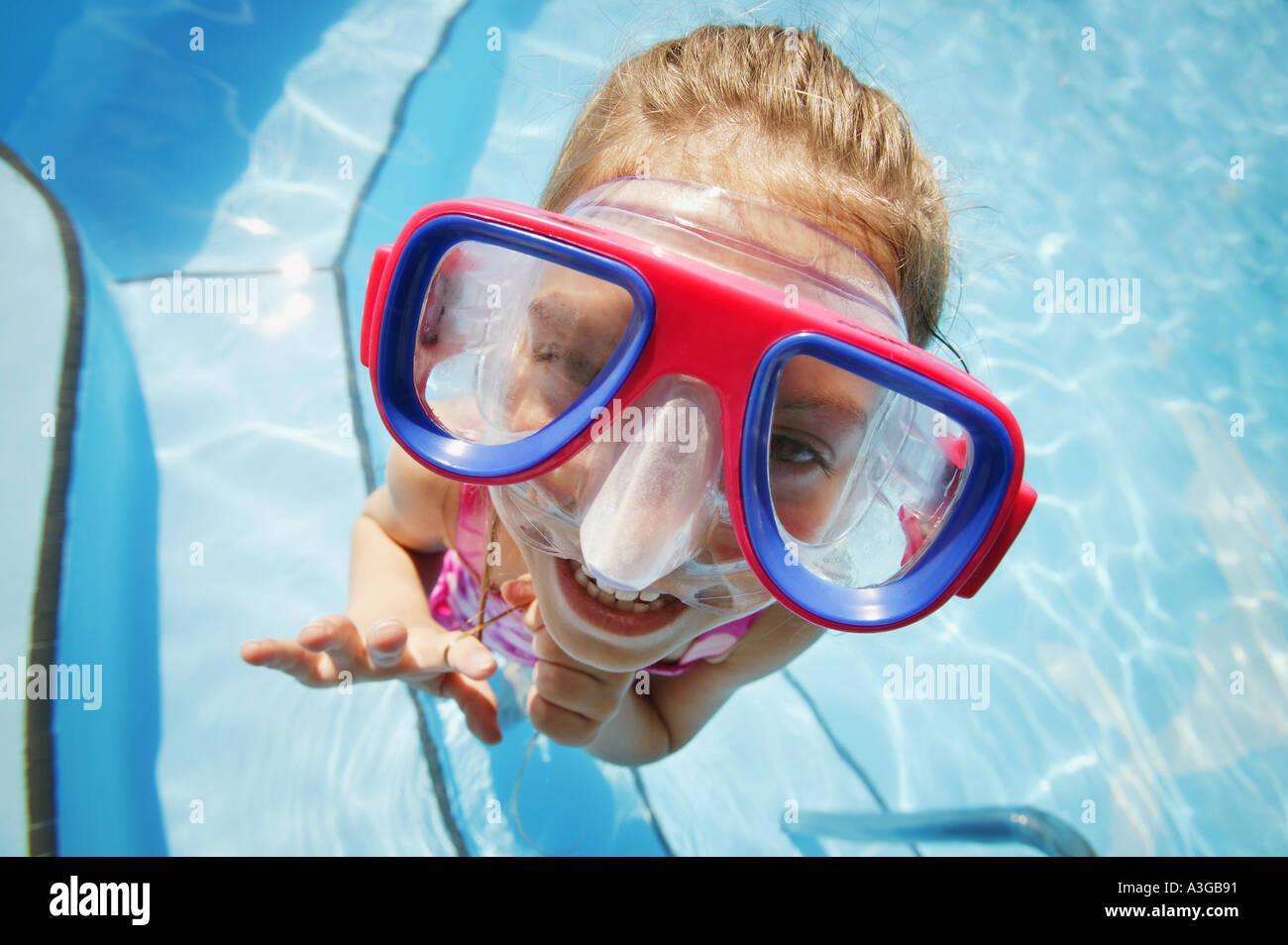 Ein Kind mit Brille Stockfoto
