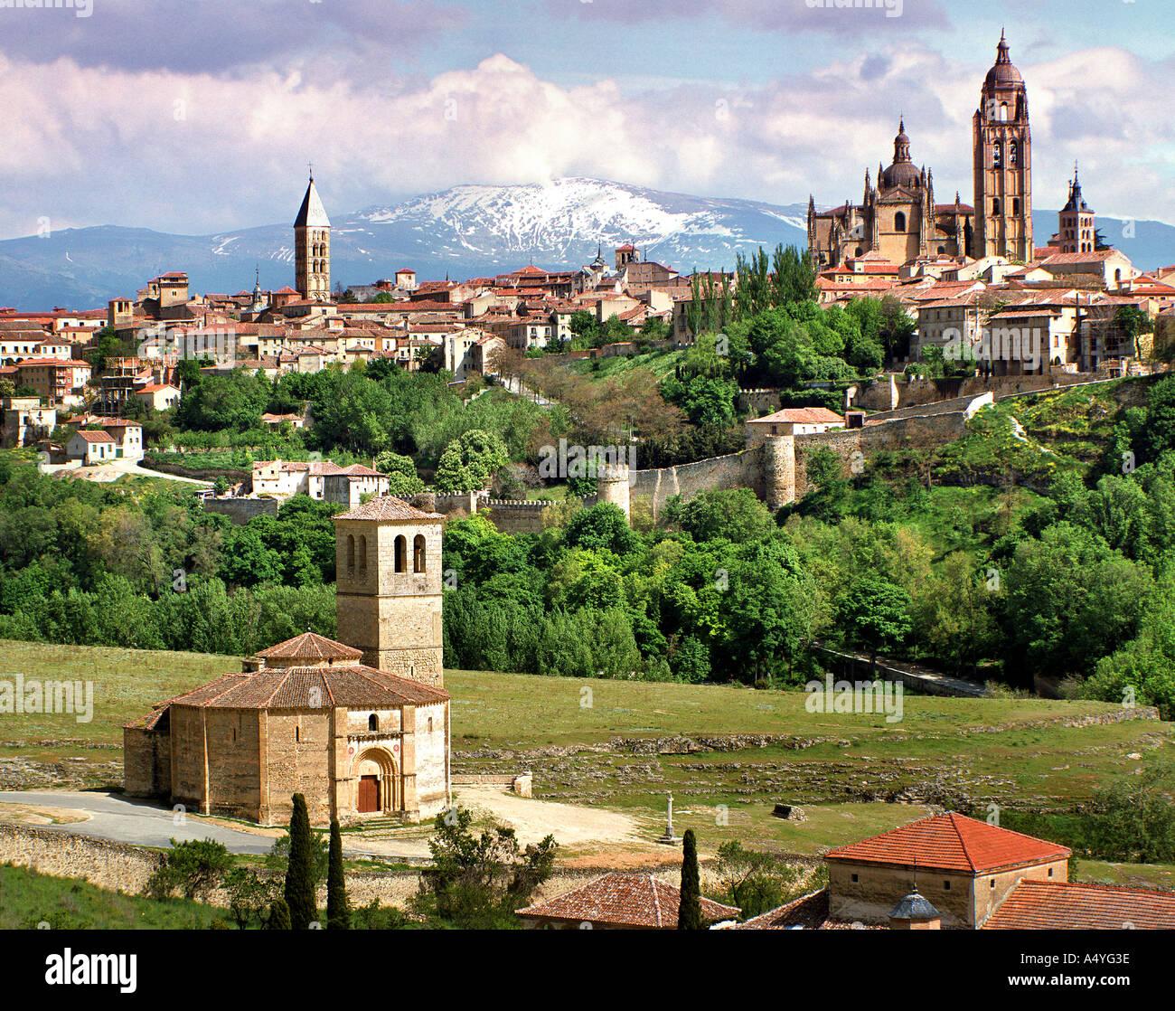 ES - Kastilien: Historische Alcazar Burg über Segovia Stockbild