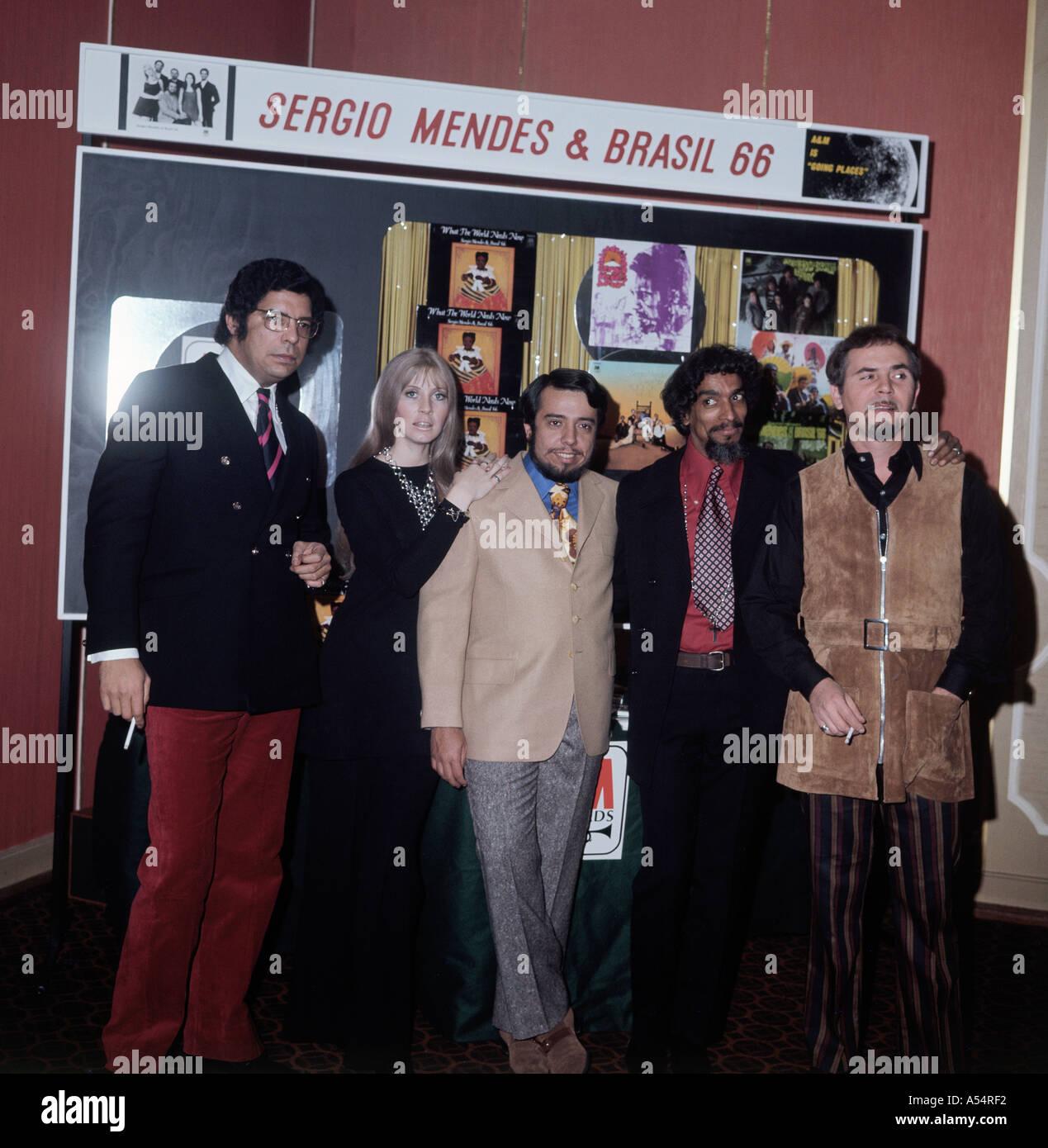 SERGIO MENDES BRASIL 66 lateinamerikanischen Gruppe über 1967 Stockbild