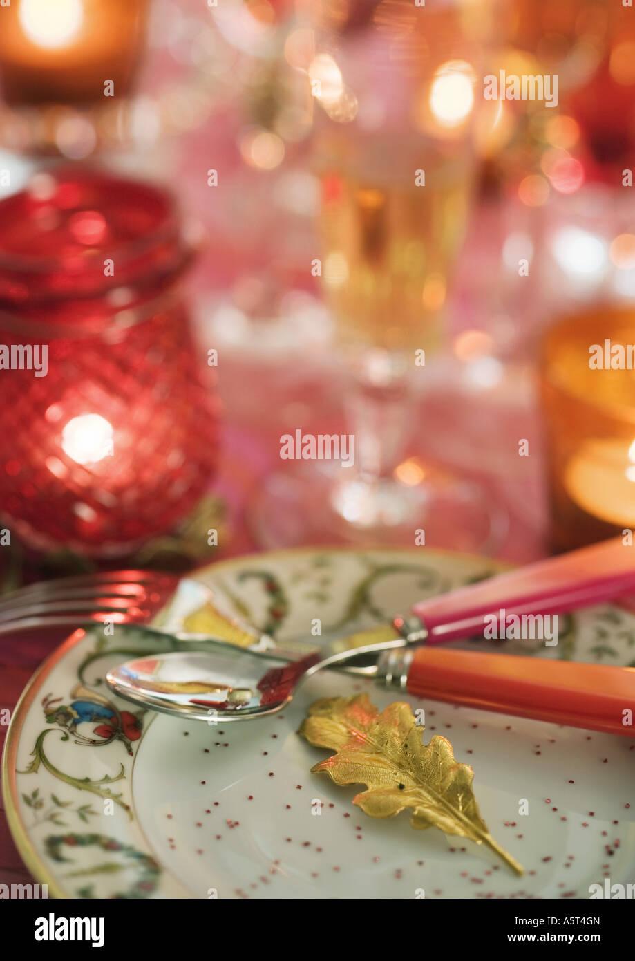 Gedeckten Tisch mit Maßgedecke Stockbild