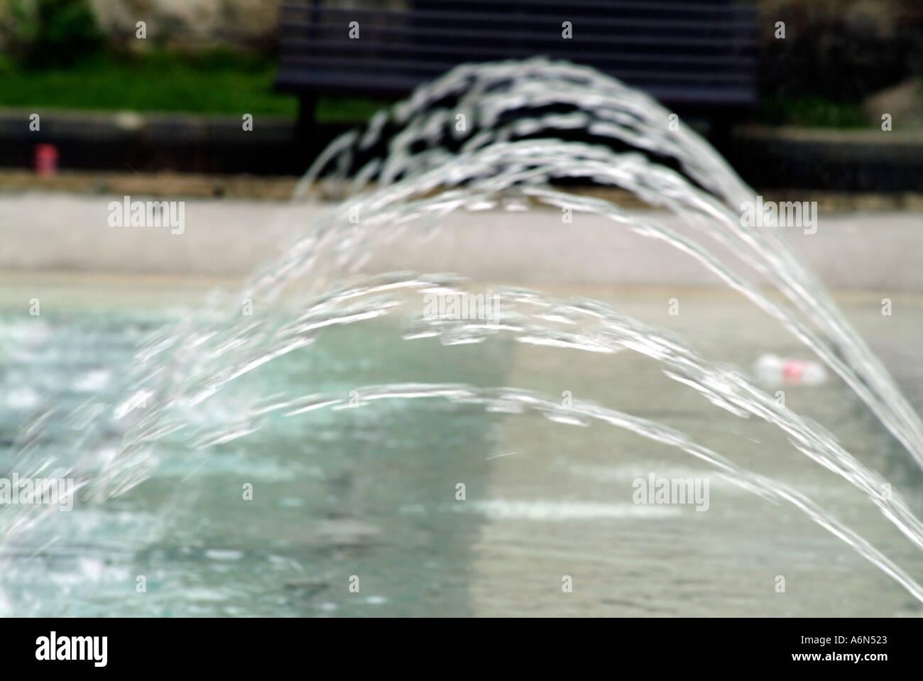 Wasser-Brunnen Spray Spritzen Blase Spritzen H2O-Tropfen Stockbild