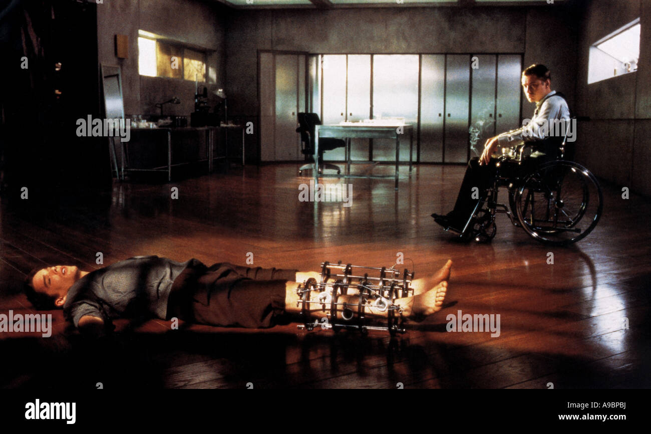 GATTACA - 1997 Columbia Film mit Ethan Hawke auf der linken Seite und Jude Law Stockbild