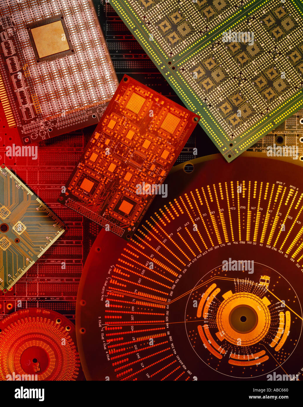 Elektronik - grafische Layout von Leiterplatten in verschiedenen Größen und Formen ohne Komponenten. Stockbild