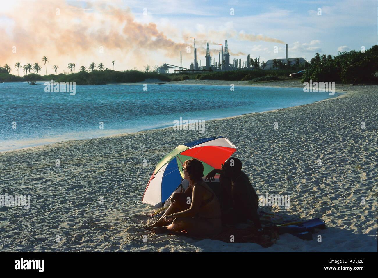 Paar bin Baby Beach, Aruba, Niederl. Antillen Karibik Stockbild