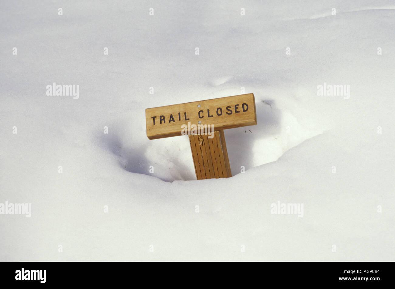 Trail geschlossen Schild verschneit Park Butte Lookout Trail Mt Baker National Recreation Area Cascade Mountains Stockbild