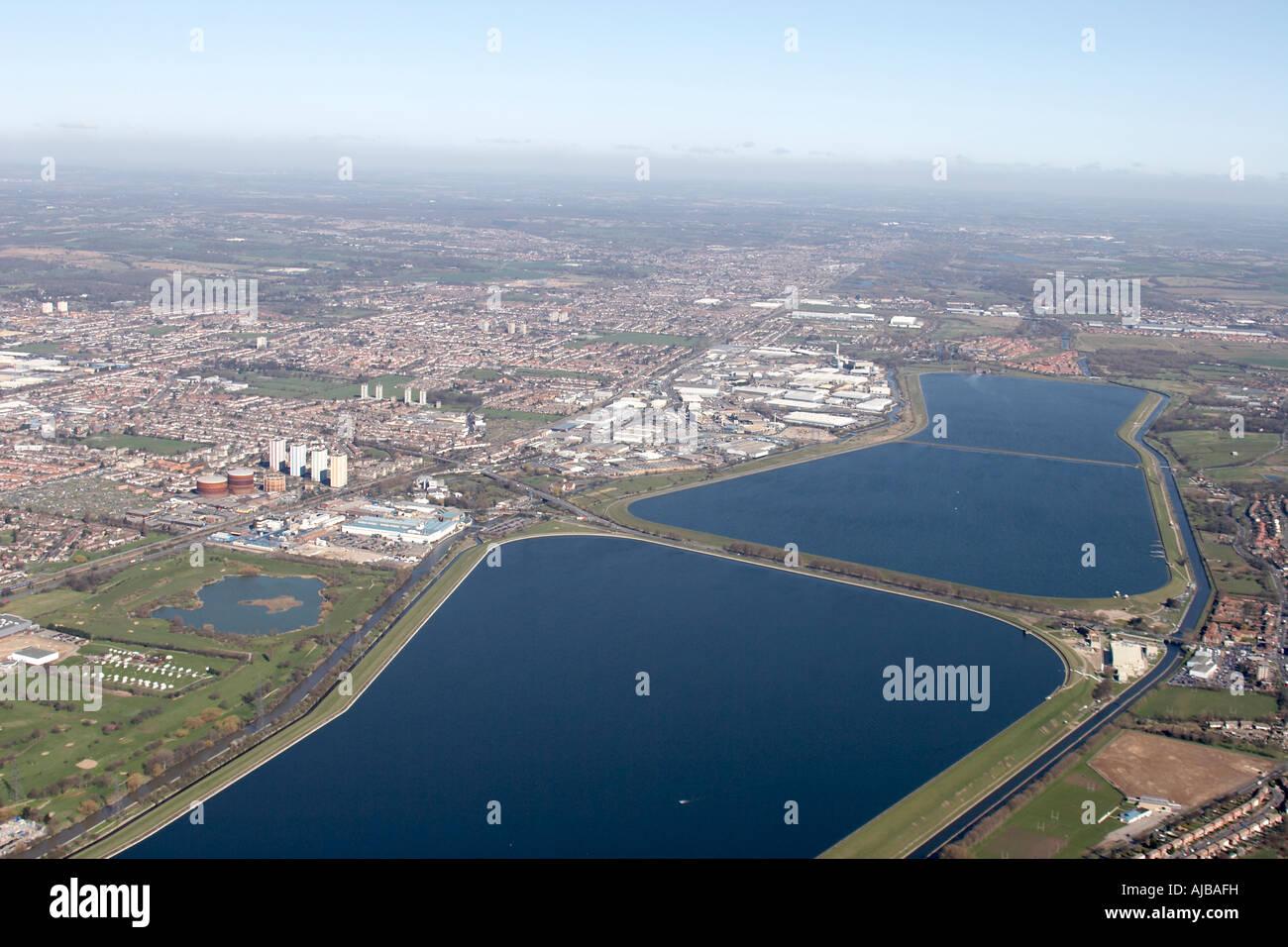 Luftbild nördlich von William Girling Reservoir und King George s Reservoir Enfield und Waltham Forest London Stockbild
