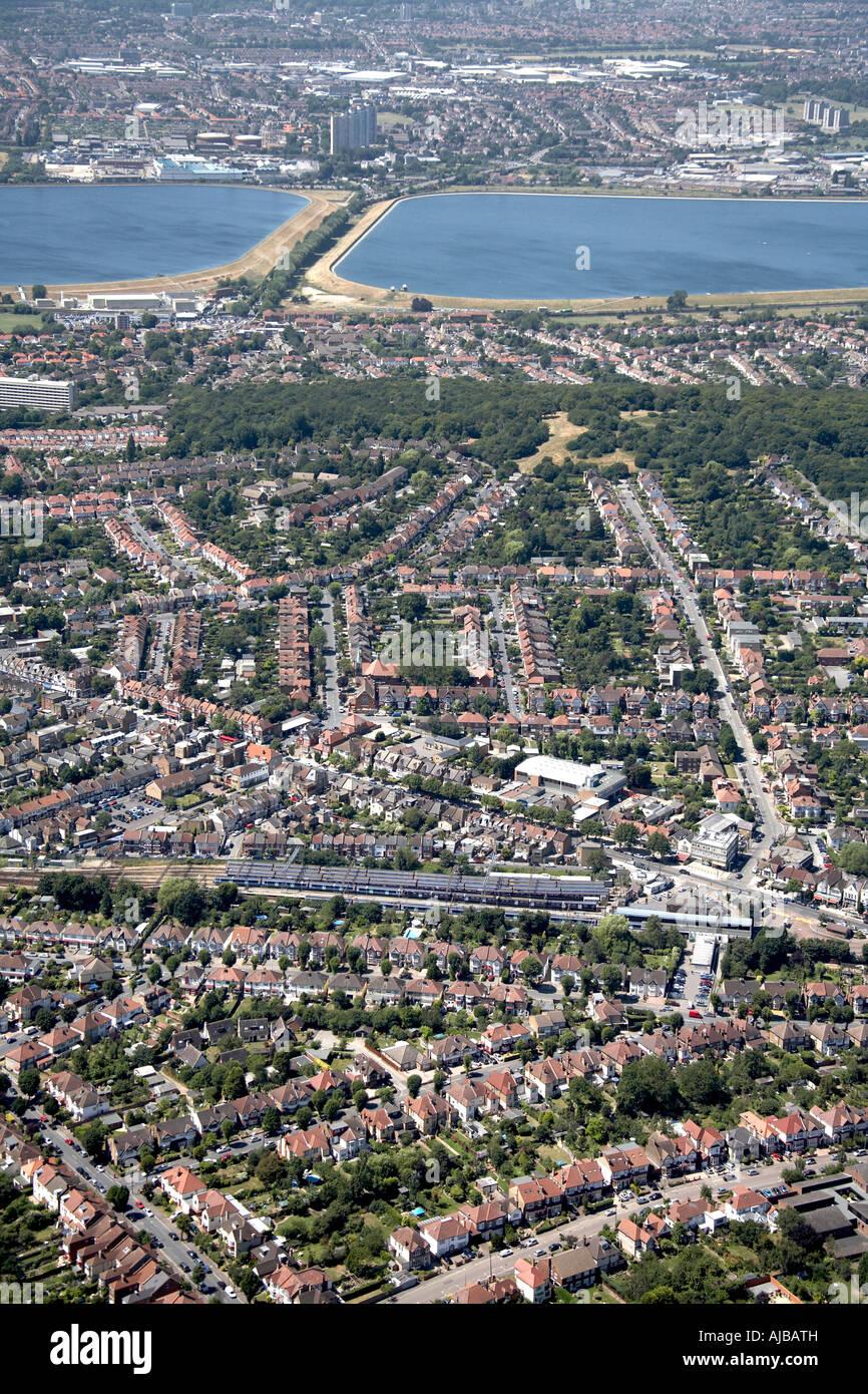 Luftbild Norden östlich von King George s Wilhelm Girling Stauseen Chingford Rail Station Waltham Forest London Stockbild