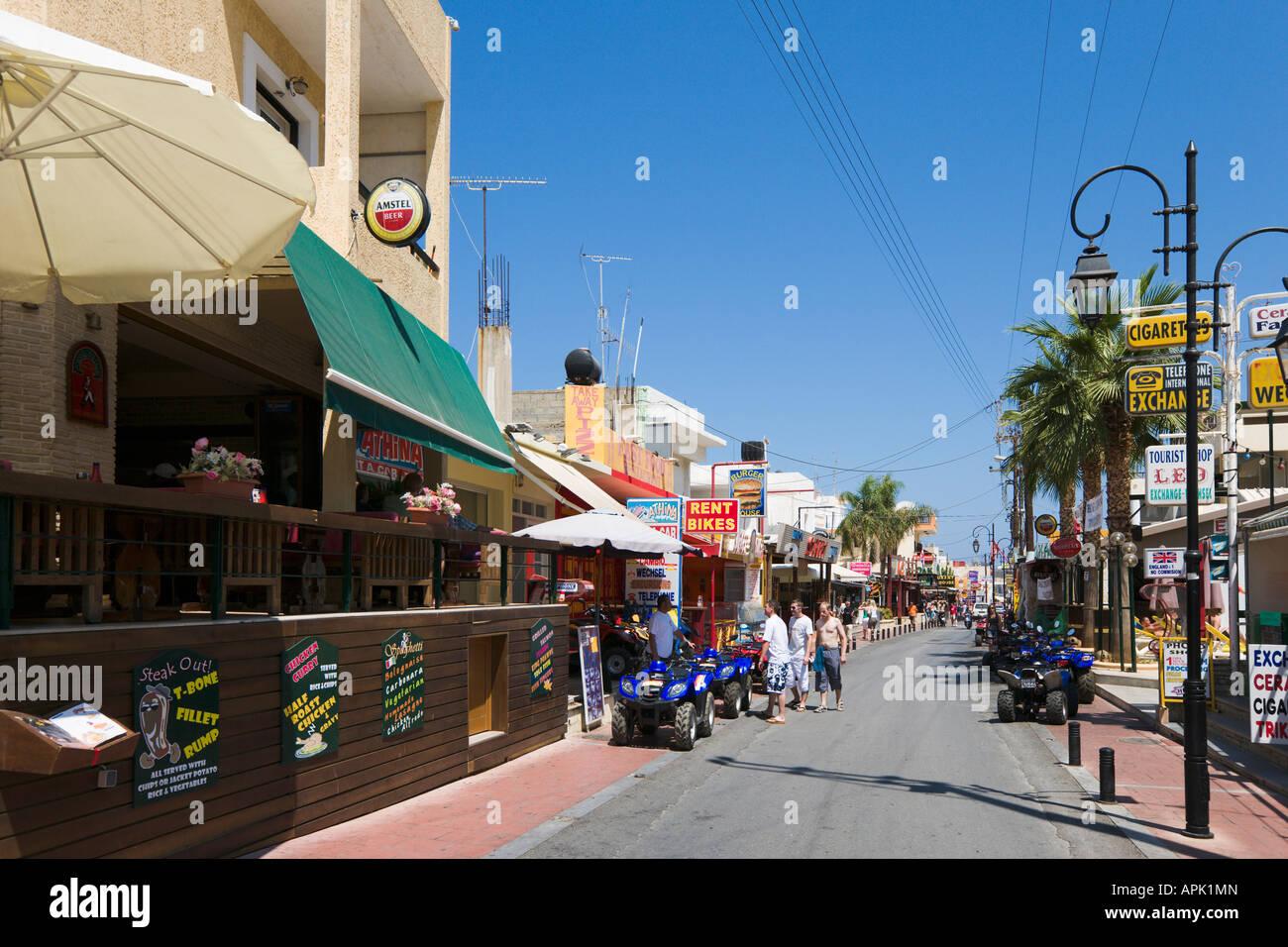 Main Beach Road, Malia, Nordküste, Kreta, Griechenland Stockbild